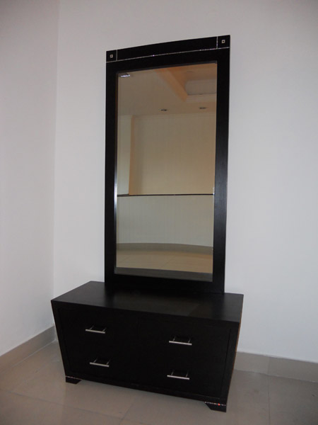 Wooden Dressing Table in Kirti Nagar Furniture Showroom